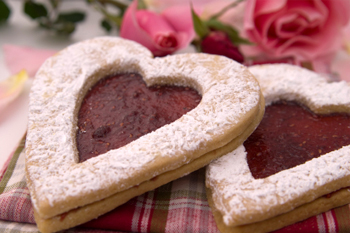 Pecan Linzer Cookies with Cherry Filling=